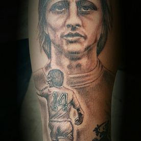 PORTRET,PORTRAIT,JOHAN CRUIJFF,BLACK AND GREY,REALISTISCH,REALISTIC,TATTOO,TATOEAGE